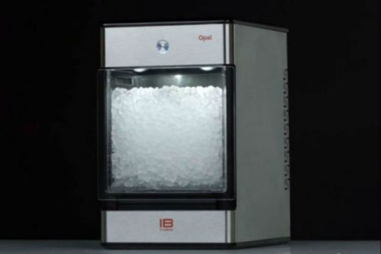 Advantages of Having an In-Home Ice Machine